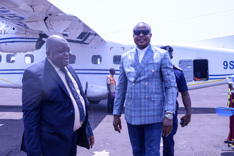 Kabambare : le Vice-gouverneur Jean Pierre Amadi revient d'une mission à Salamabila pour la consolidation de la paix