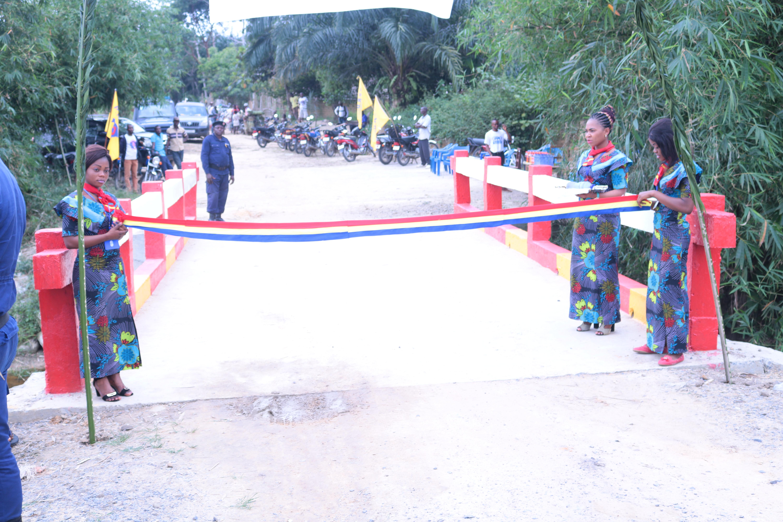 Kailo : Auguy Musafiri inaugure quatre ponts sur la route qui mène Lokando