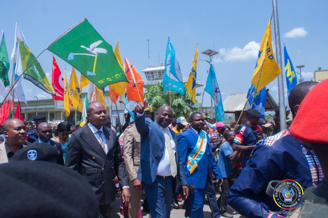 Une foule immense accueille le Gouverneur Musafiri qui appelle la population à l'unité