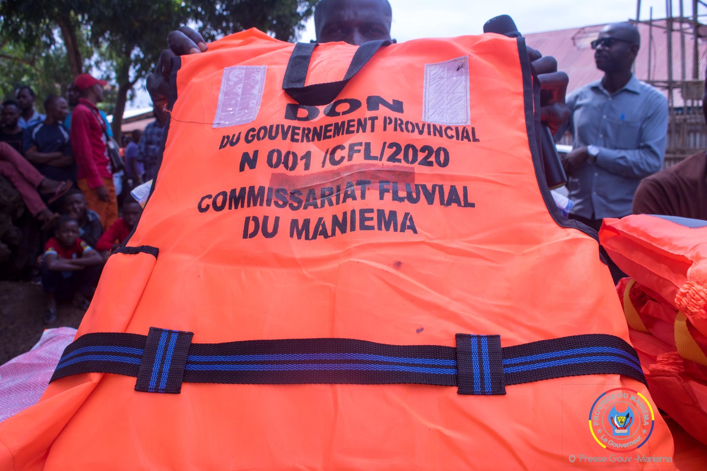 Kindu : le Gouvernement provincial dote des gilets de sauvetage pour réduire les risques de décès en cas de noyade