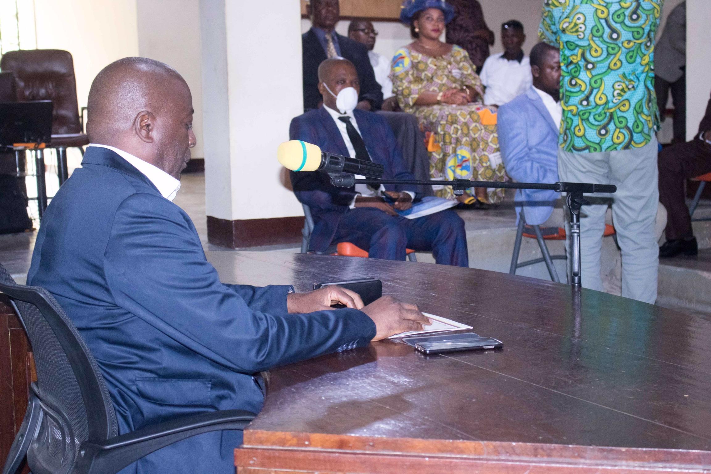 Maniema : Auguy Musafiri lance l'enseignement à distance dans la province du Maniema à travers les médias locaux