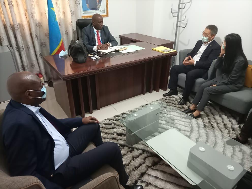 Le Gouverneur Musafiri s'entretient avec les investisseurs chinois au sujet de la construction du barrage de Pengi Idombo
